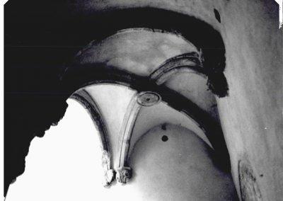 PARTICOLARE  VOLTA  A CROCIERA COSTOLONATA  SCALONE  D'ONORE. Caratteristica volta a crociera costolonata, posta a copertura del pianerottolo di riposo dello scalone d'onore.