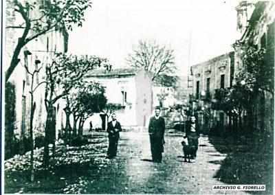 Casale-uno scorcio di via S. Aurilio in autunno