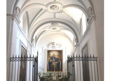Cattedrale di Carinola. Cappella del Santissimo. Conserva lo stile barocco