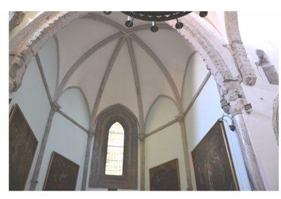 Cattedrale di Carinola. Particolare delle volte del presbiterio.
